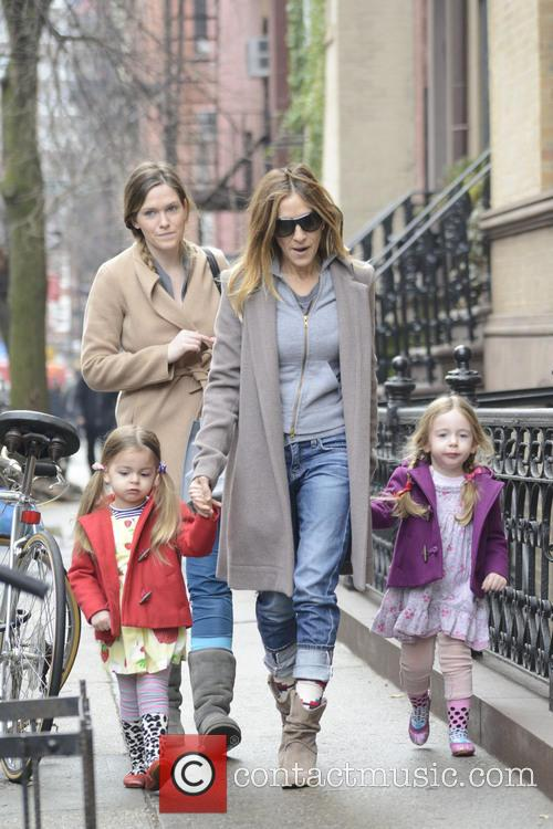Sarah Jessica Parker takes her twins to school