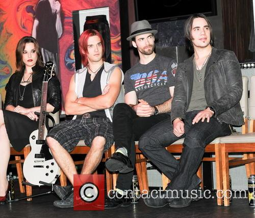 Lzzy Hale, Arejay Hale, Josh Smith, Joe Hottinger and Halestorm 3