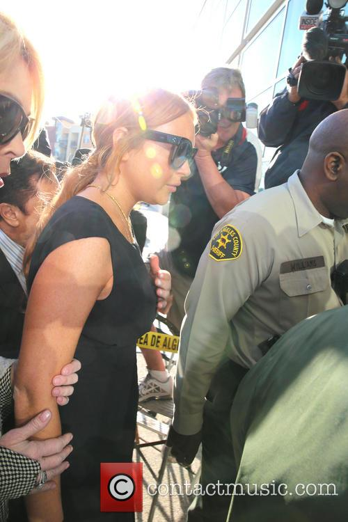 LiLo entering the LA County Court on January 30