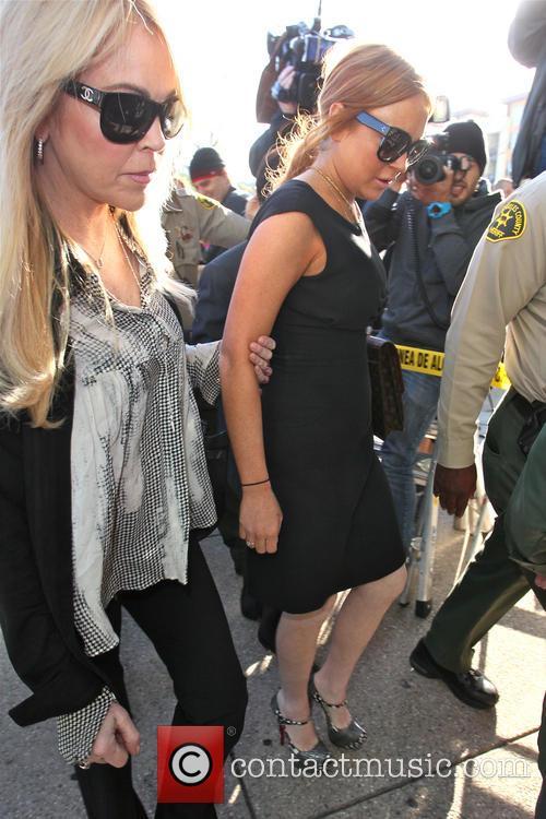 Lindsay Lohan and Dina Lohan 9