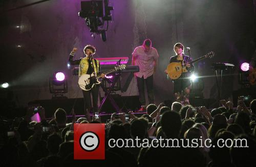 Tegan & Sara performing at the Jimmy Kimmel...