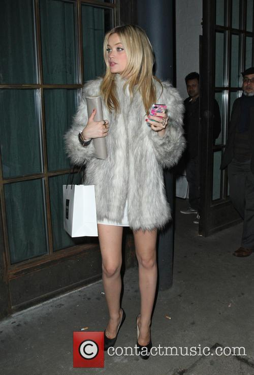 Laura Whitmore 4