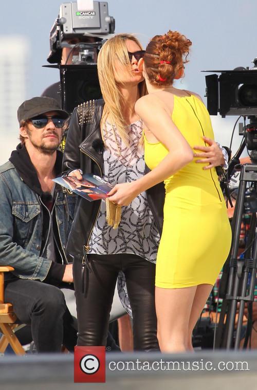 Heidi Klum and Contestant 4