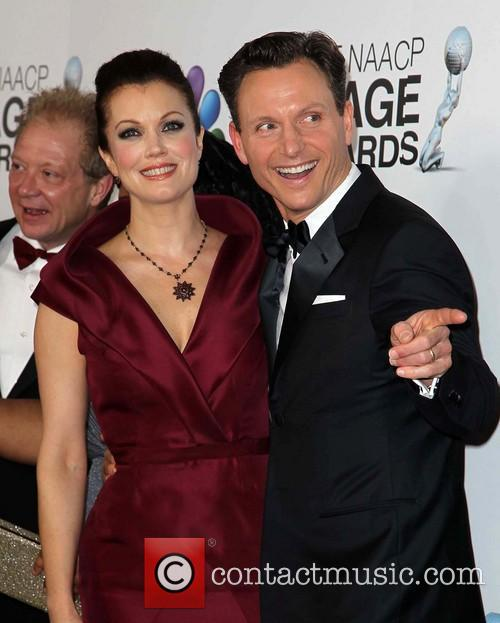 Bellamy Young and Tony Goldwyn 6