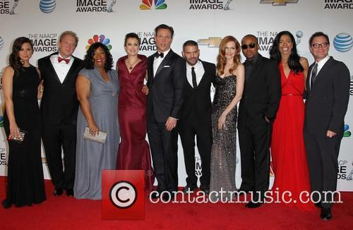 Tony Goldwyn, Katie Lowes, Jeff Perry, Writer/producer Shonda Rhimes, Actors Bellamy Young, Guillermo Diaz, Darby Stanchfield, Columbus Short, Ceo Of Smith, Company Judy Smith and Joshua Malina 2
