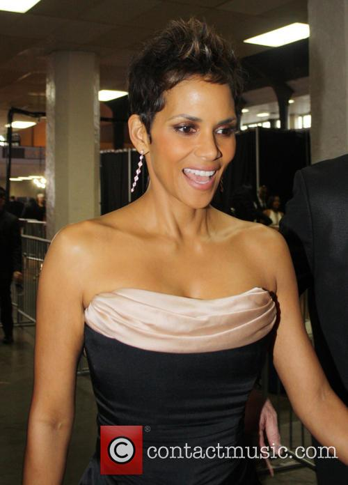 Halle Berry Arrives At The 44th Naacp Image Awards 1
