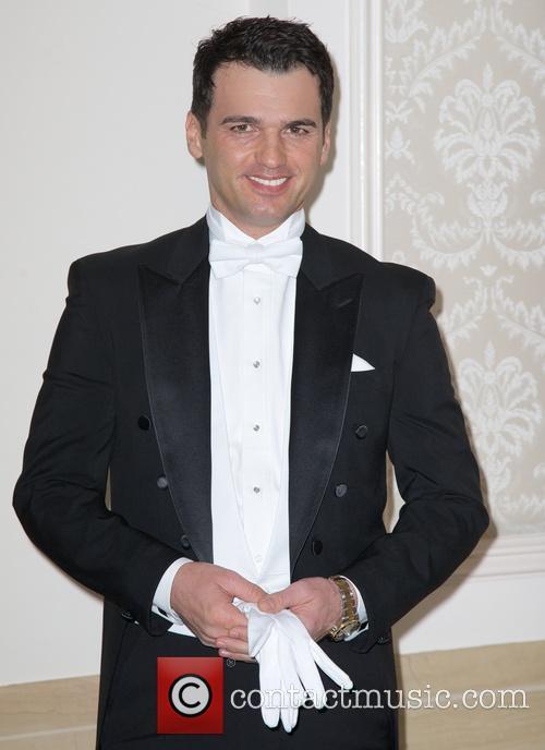 Tony Dovolani 4