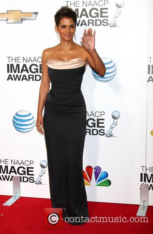 halle berry 44th naacp image awards 3480348