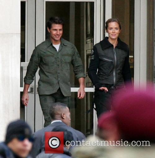 Tom Cruise and Emily Blunt 9