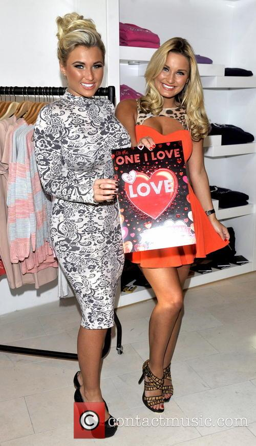 sam faiers billie faiers minnies boutique opening 3479634