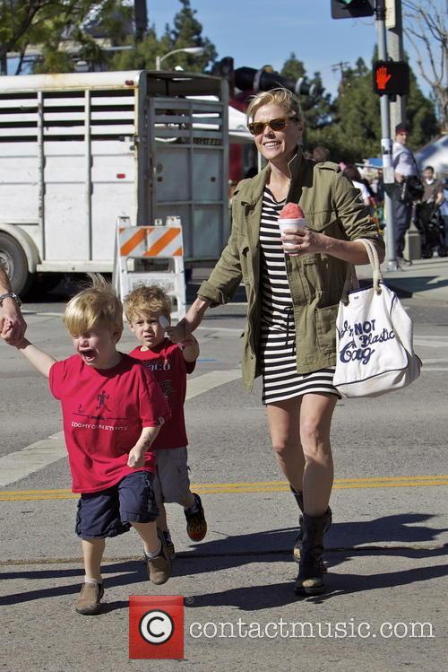julie bowen john phillips gustav phillips julie bowen with family 3481113