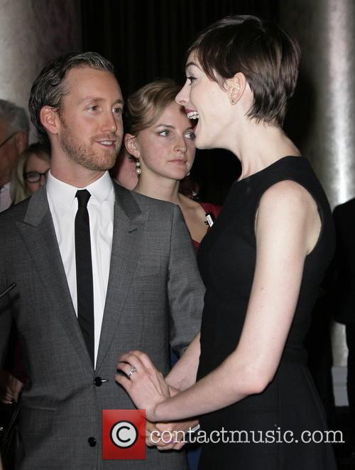 Anne Hathaway and Husband Adam Schulman 6