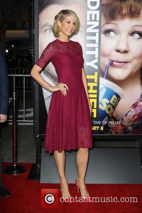 Jenna Elfman 7