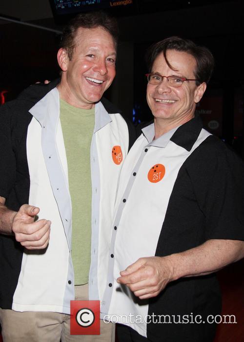 Steve Guttenberg and Peter Scolari 1