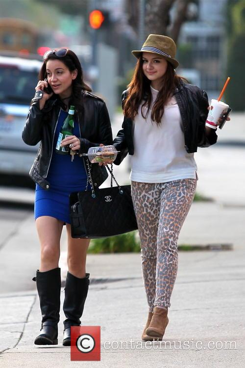Ariel Winter spotted leaving Jamba Juice