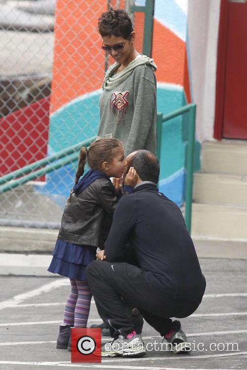 halle berry halle berry takes her daughter nahla 3487614