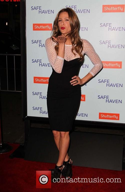 jill wagner premiere of relativity media's 'safe haven' 3488253
