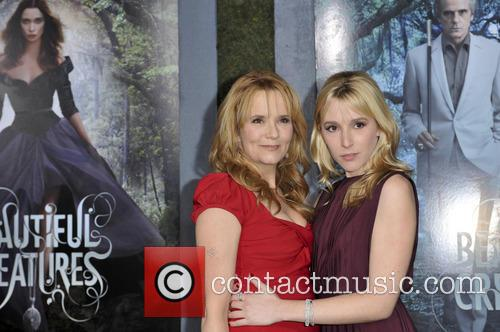 Lea Thompson and Madelyn Deutch 5