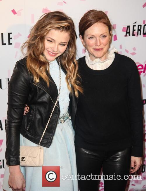 Chloe Grace Moretz and Julianne Moore 8