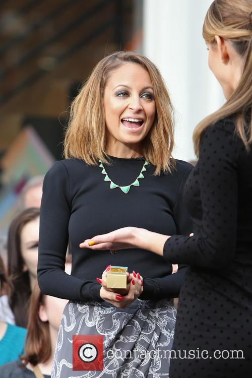 nicole richie maria menounos celebrities at the grove to 3488875