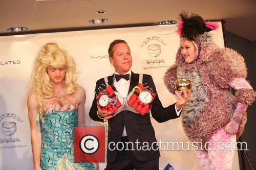 Kiefer Sutherland, Ian Shields and Tessa Kaplan 4