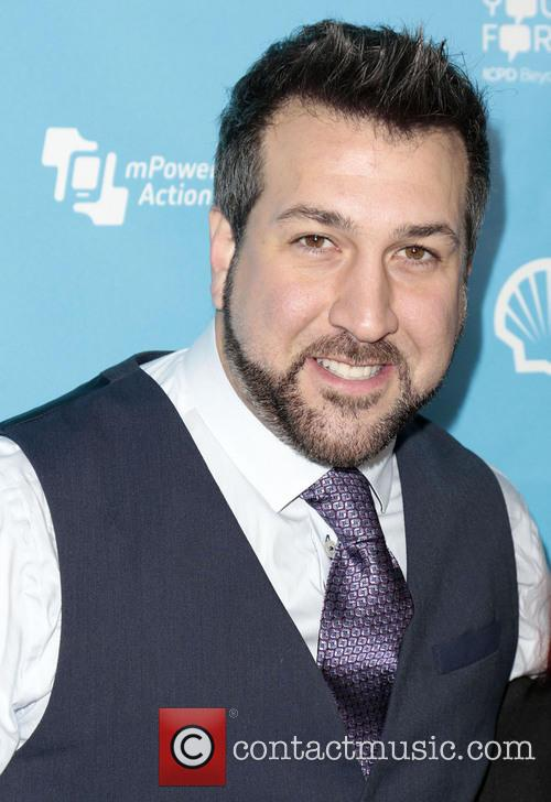 Joey Fatone and Kelly Baldwin 4