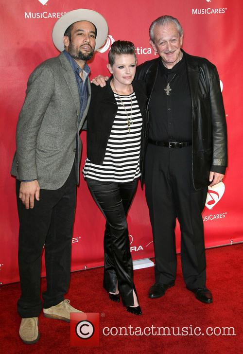 Ben Harper, Natalie Maines and Charlie Musselwhite 2