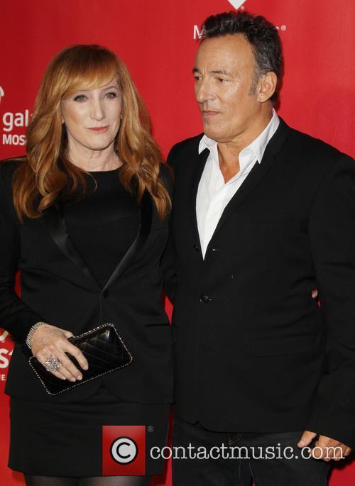 Patti Scialfa and Bruce Springsteen 1