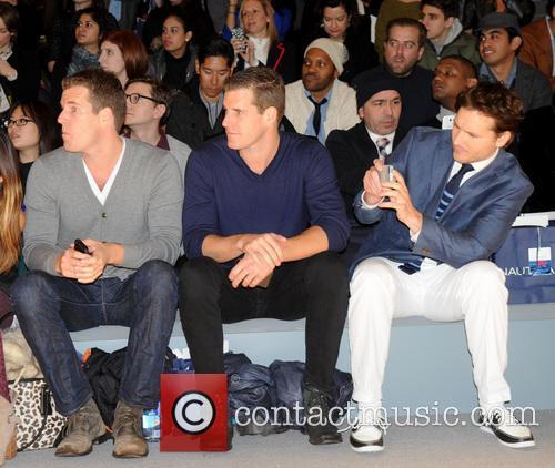 Cameron Winklevoss, Tyler Winklevoss and Peter Facinelli 5