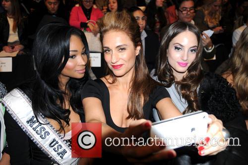 Miss Usa Nana Meriwether, Guest and Alexa Ray Joel 1