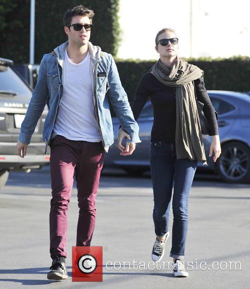 Emily Vancamp and Josh Bowman 2