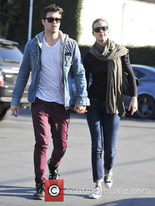 Josh Bowman and Emily Vancamp 1
