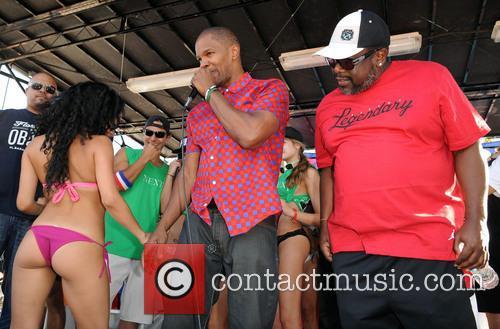 jamie foxx cedric the entertainer the 2013 model beach 3493954