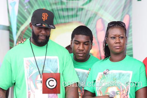 Peace, Jahvaris Fulton, Sybrina Fulton and Tracy Martin 6