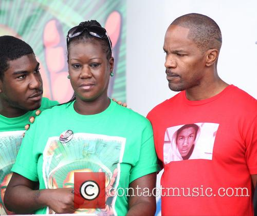 Jamie Foxx and Sybrina Fulton 6