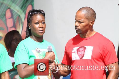 Jamie Foxx and Sybrina Fulton 11