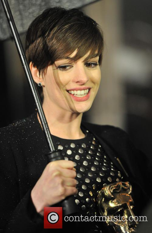 anne hathaway baftas afterparty 3495407