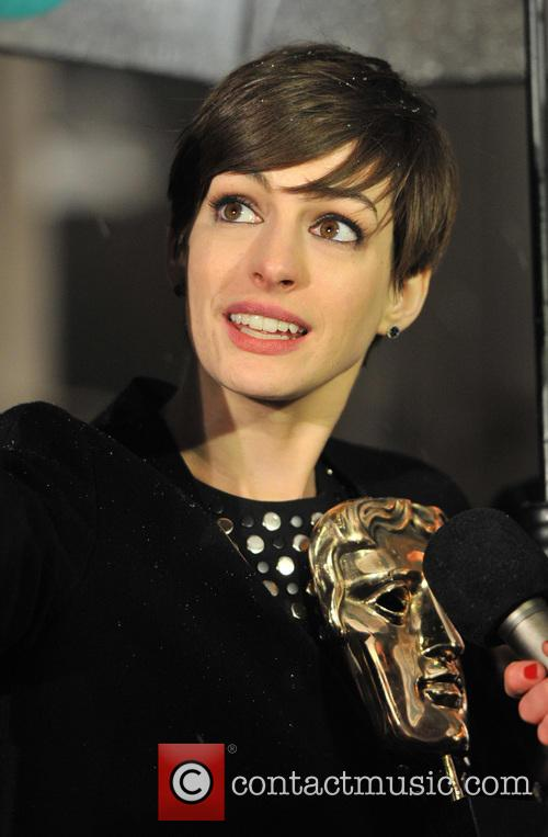 anne hathaway baftas afterparty 3495427