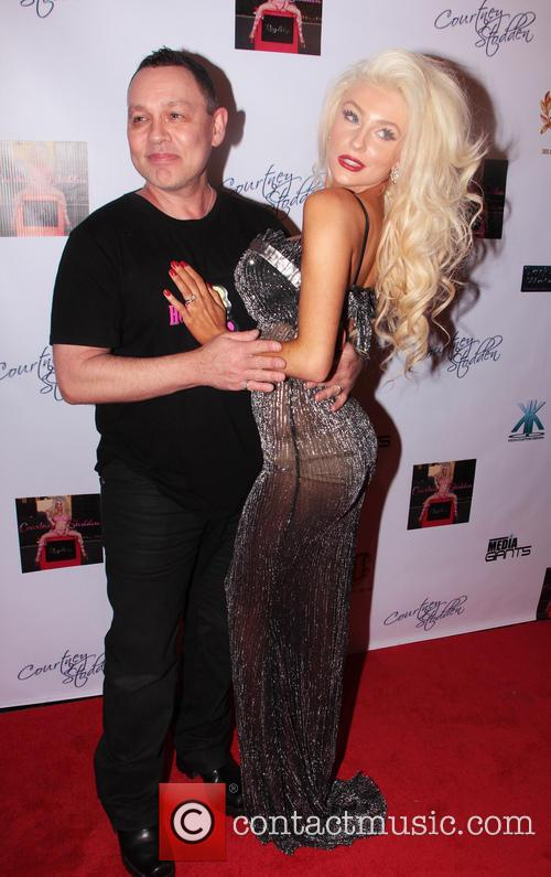 Courtney Stodden and Doug Hutchison 6