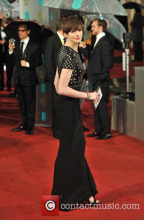 Anne Hathaway 17