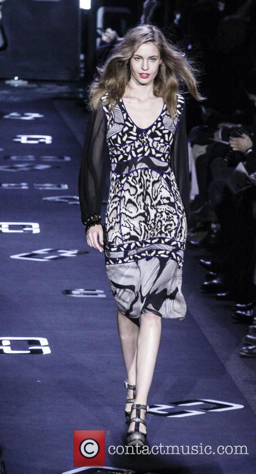 Diane Von Furstenberg and Model 2