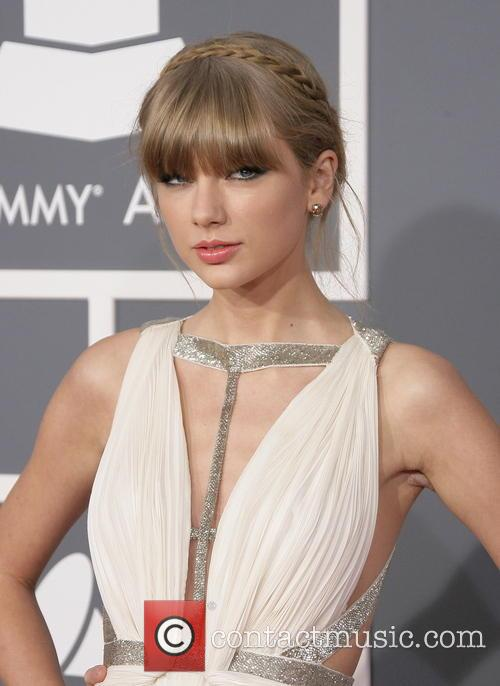 Taylor Swift Grammys Fashion