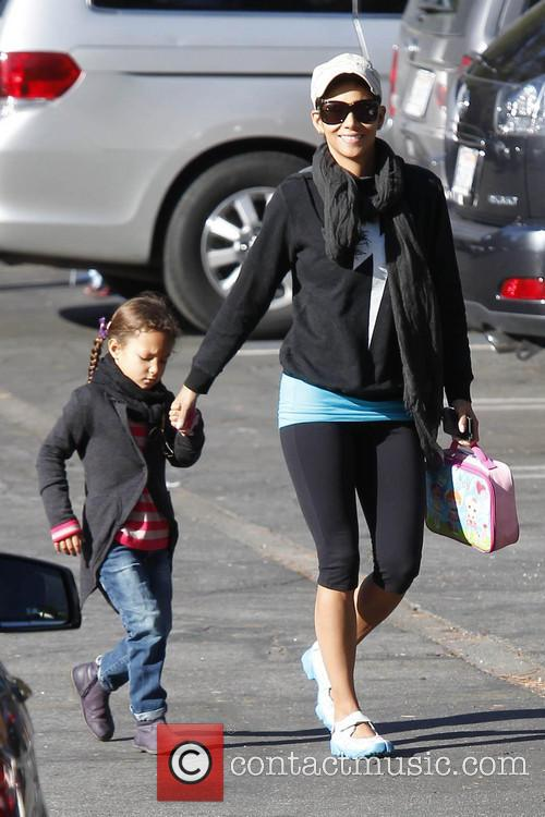 halle berry halle berry takes her daughter nahla 3500588