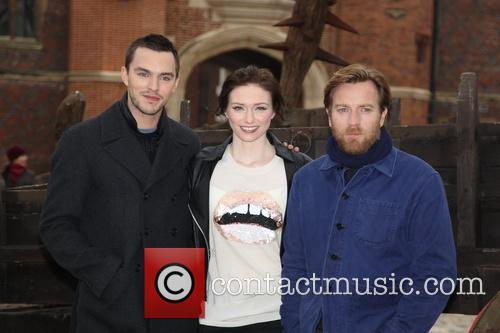 Nicholas Hoult, Eleanor Tomlinson and Ewan Mcgregor 7