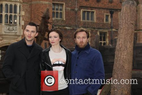 Nicholas Hoult, Eleanor Tomlinson and Ewan Mcgregor 11