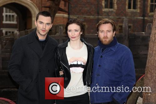 Nicholas Hoult, Eleanor Tomlinson and ewan mcgregor 1