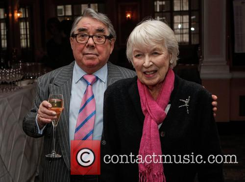 Ronnie Corbett and June Whitfield 6