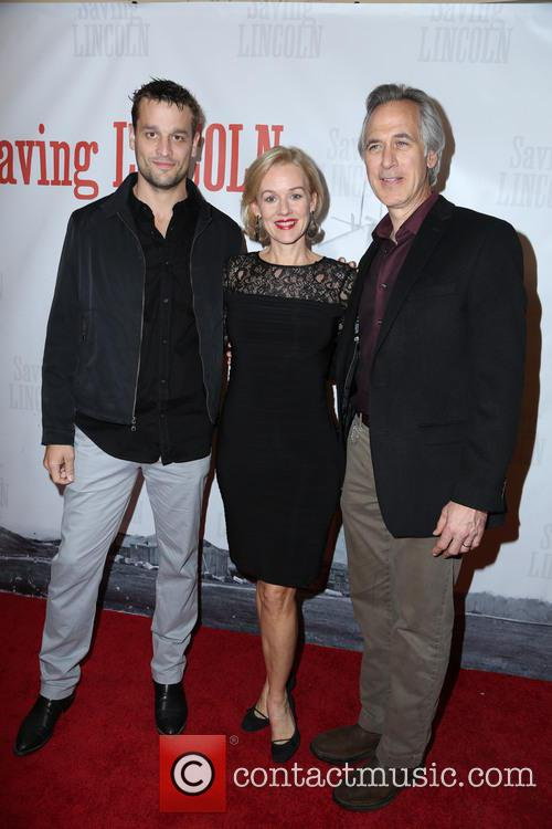 Lea Coco, Penelope Ann Miller and Tom Amandes 1