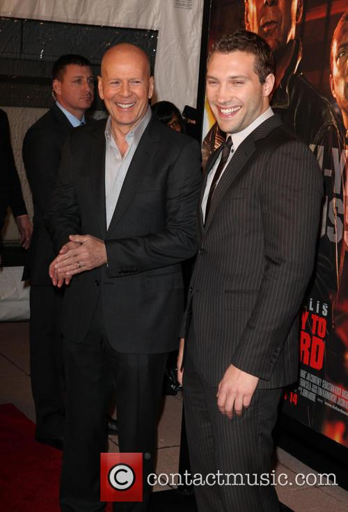 Bruce Willis and Jai Courtney 5