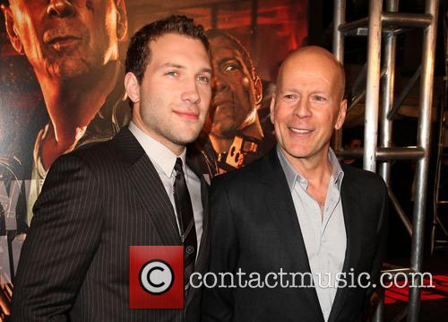 Jai Courtney and Bruce Willis 7